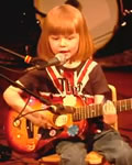 Garoto de 5 anos tocando Johnny Cash O_O