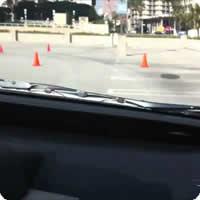 Vídeo: Passeando no carro automático do Google