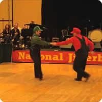 Vídeo: Os Super Mario Bros dançarinos
