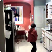 Vídeo: Lave as louças como se ninguém estivesse olhando...