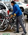 Casey Neistat roubando sua própria bicicleta