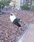 Tony Hawk e a multidão